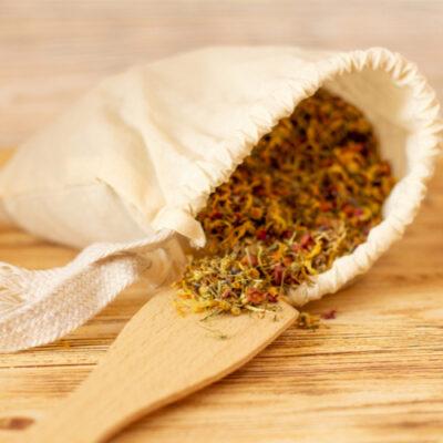 DIY Herbal Tea Tub Soak